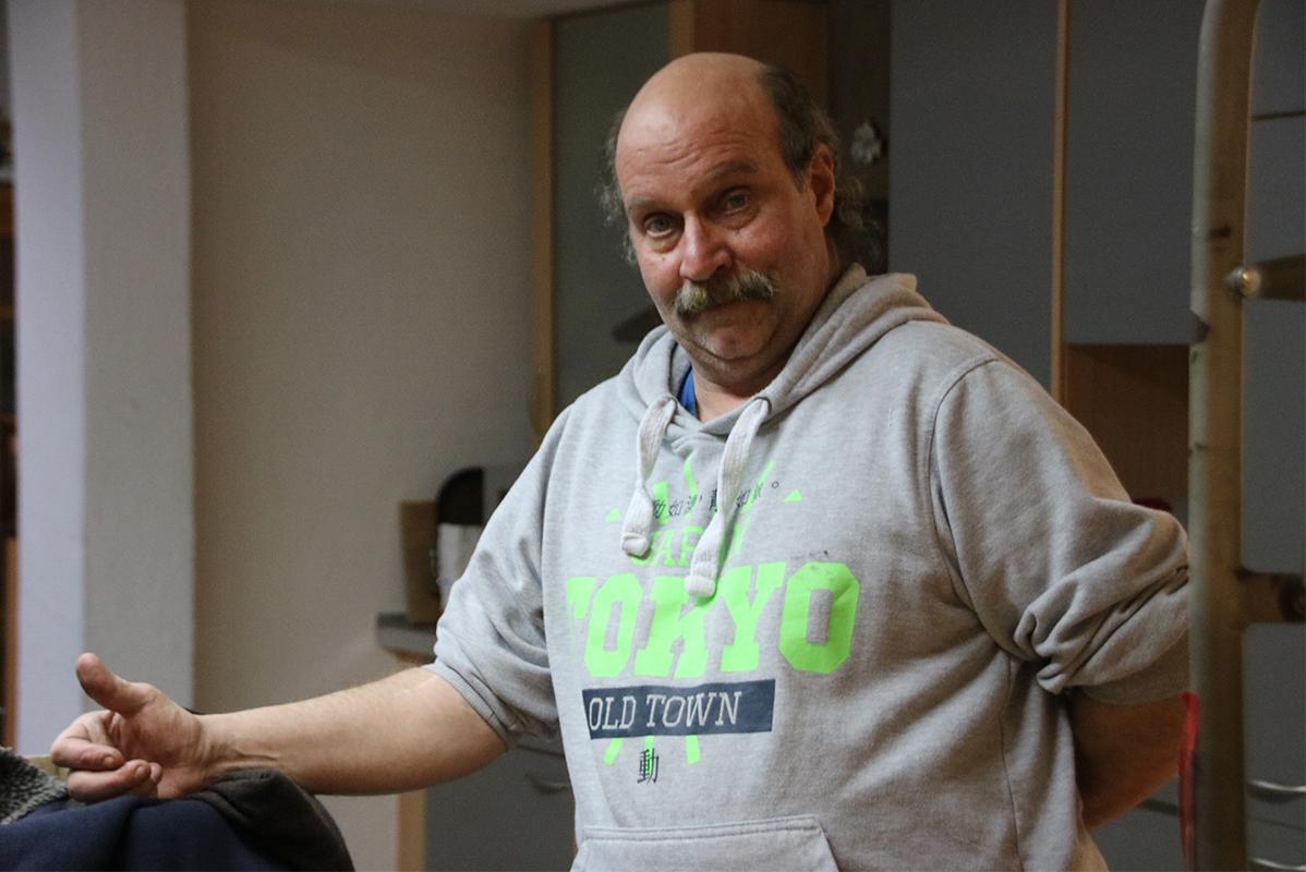 Mittelalter Mann mit Sweatshirt