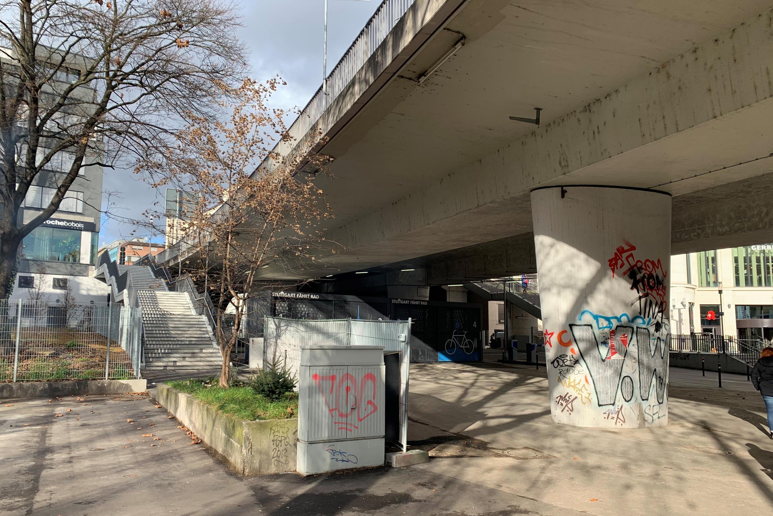 Die Paulinenbrücke ist ein Treffpunkt der Stuttgarter Obdachlosen-Szene