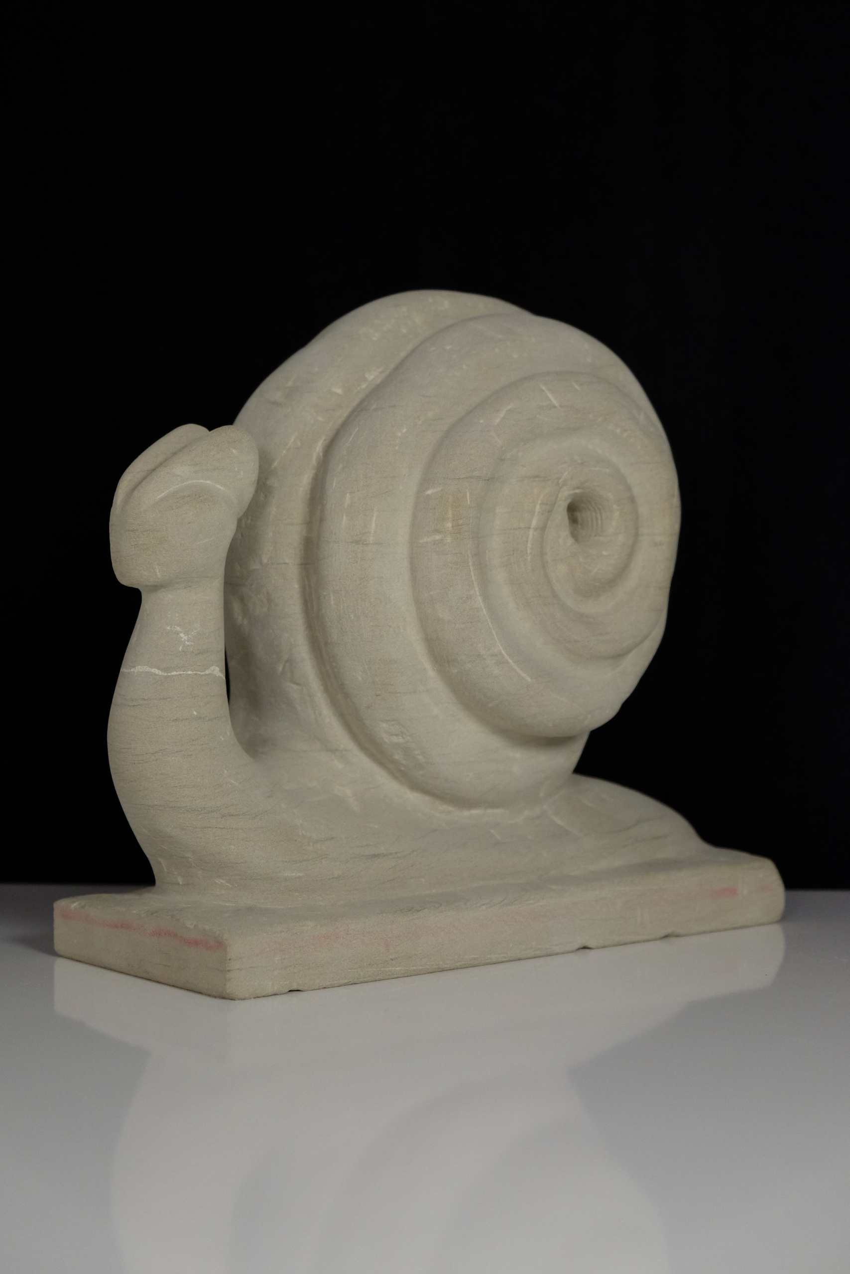 Sandsteinskulptur Schnecke von Arno Gary