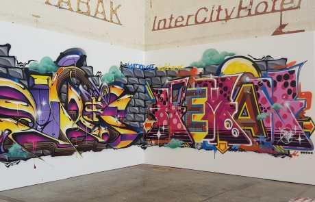 Graffiti in der Stuttgarter Bahnhofshalle - Secret Walls Gallery - Kunst