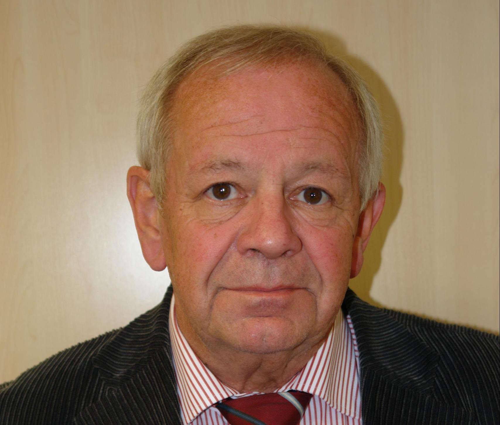 Bild von Kurt Schrimm, 2000 bis 2015 Leiter der Zentrale Stelle der Landesjustizverwaltungen zur Aufklärung nationalsozialistischer Verbrechen in Ludwigsburg