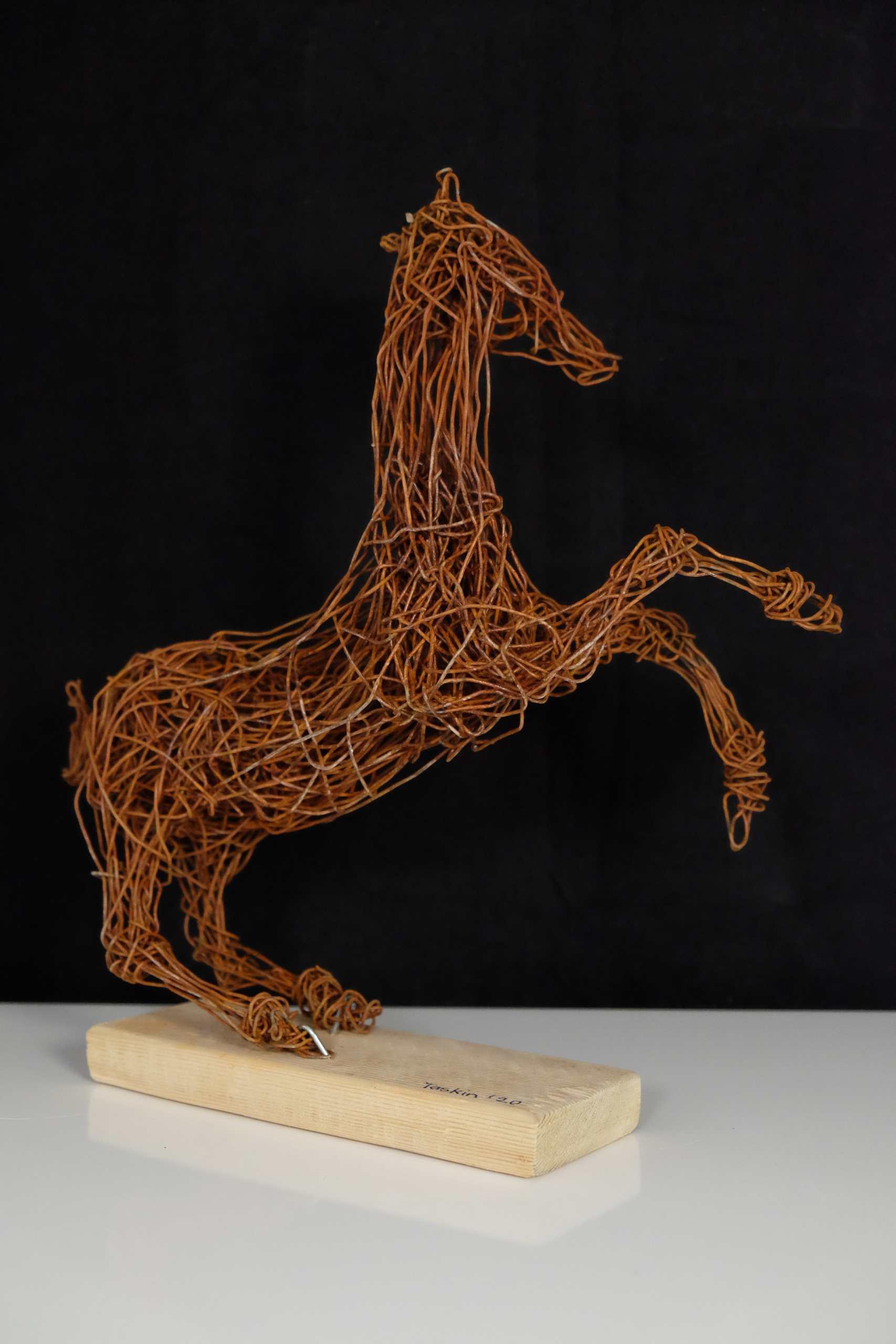 Drahtgeflecht Steigendes Pferd (Kopf nach links)